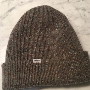 Madewell Accessories - Madewell cuffed cozy knit beanie in wild sage 797bca2d72ff